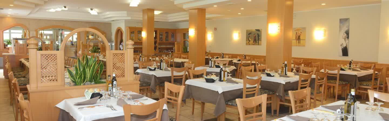 La sala è il cuore della nostra struttura, un ampio spazio dedicato ai nostri ospiti