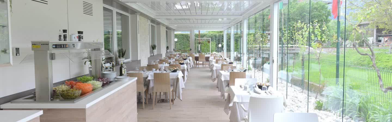 La veranda è l'Ideale per aperitivi e relax